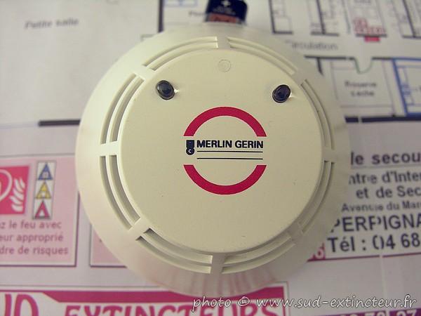 Merlin gerin di 200 dfci d tecteur de fum e chambre for Chambre d ionisation